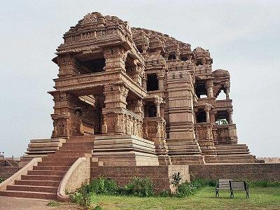 Sas_Bahu_Temple